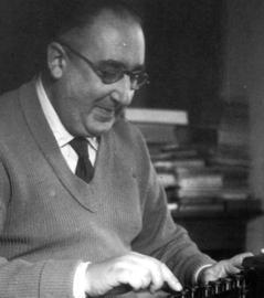 La publicación recogerá textos del escritor Álvaro Cunqueiro, entre otros