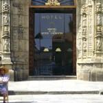 entrada al hostal