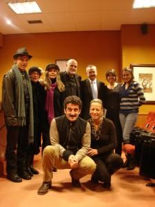 """Parte del equipo de """"Onde está a felicidade?"""" durante la presentación de la película en el Club Internacional de Prensa (Santiago de Compostela)"""