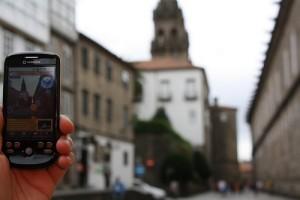 La compostelana Signo-Ingeniería del territorio prueba un dispositivo de realidad aumentada para móviles con información del Camino de Santiago