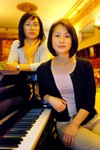La pianista Haruna Takebe y la violinista Kiyoko Ohashi