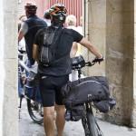 pelegrinos con  sus biciletas