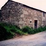 Casa_de_Xacinto_que_tiraron_para_face-la_praza_1996jpg