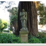 Estatua de Macias O Namorado padrón