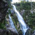 Salto de río en Boiro