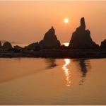 """Rocas """"Pareja"""" de la costa del Kumano"""