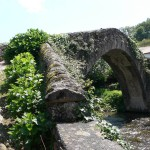 puente de piedra en saint pied de port
