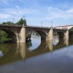 puente de piedra sobre el Ebro