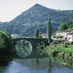 río y casas en saint pied de port